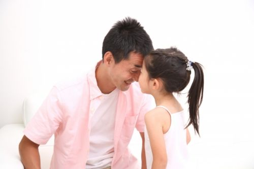 娘を励ます父